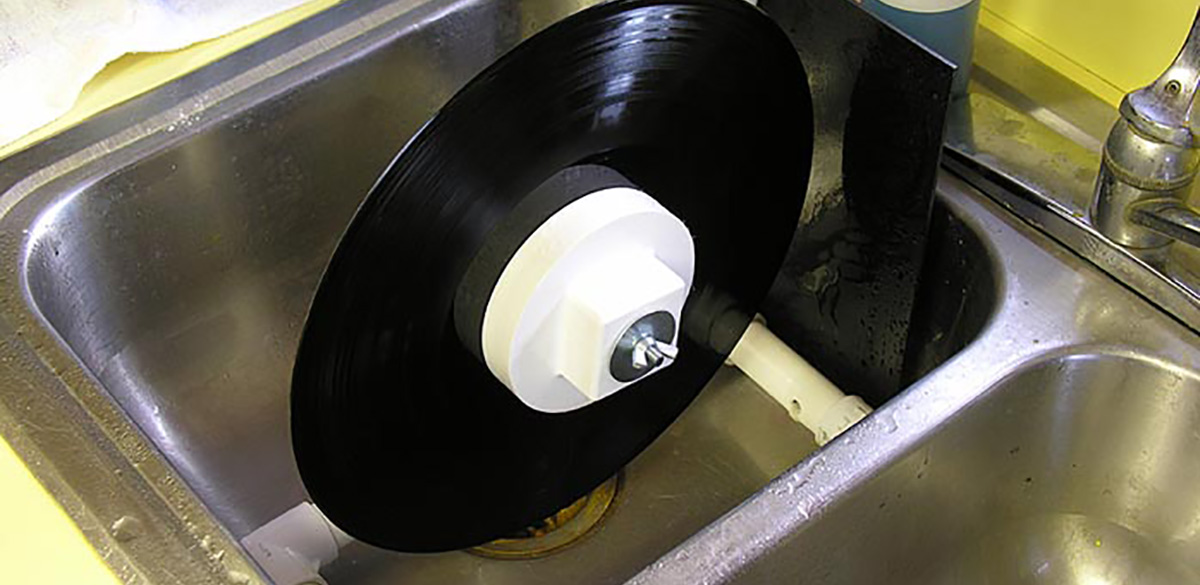 How to clean vinyl records with water