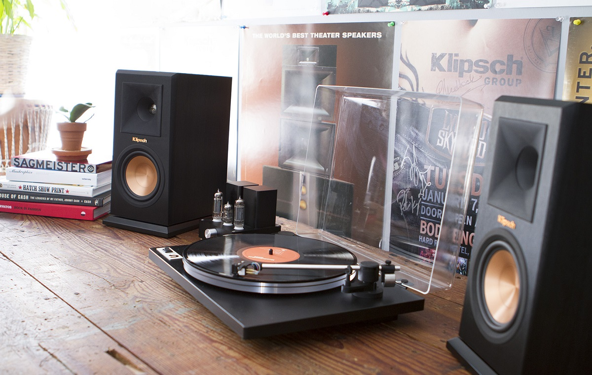 Do You Need Speakers For a Vinyl Player?